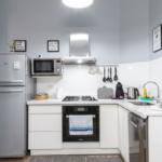 køleskab med fryser